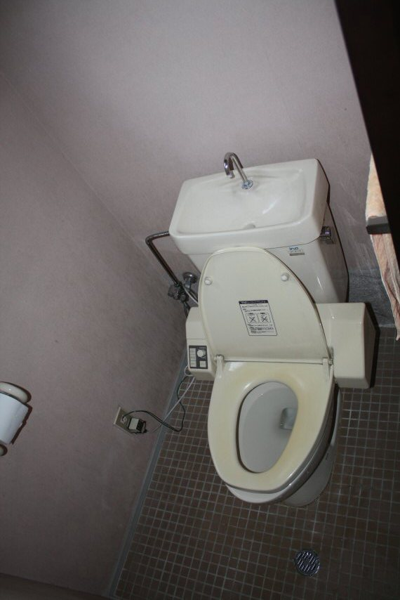 狭いトイレ・洗面脱衣所を広い空間にリフォームしました。